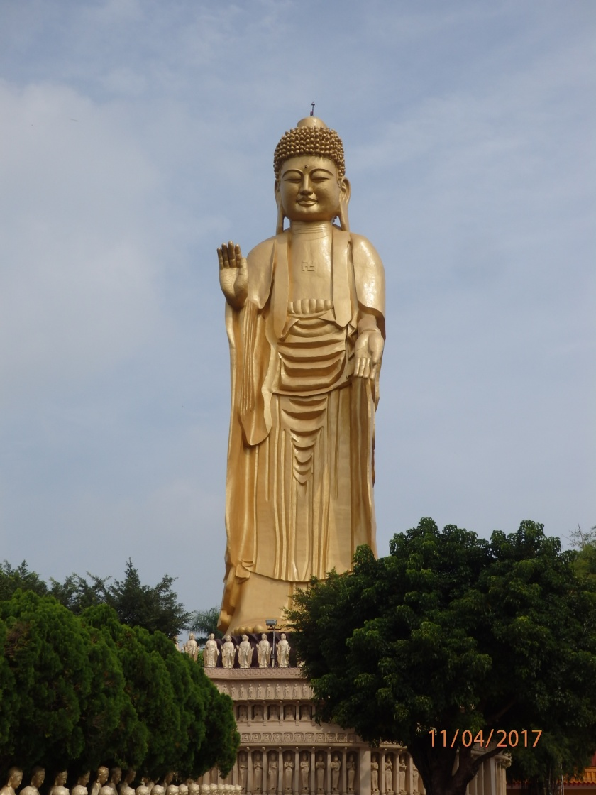 The LARGE Buddha at the Fokuangshan Monastery.